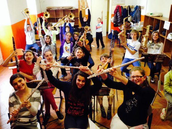 la musica a scuola scuola mondo musica milano corsi di